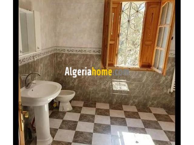 Location Appartement F4 Constantine
