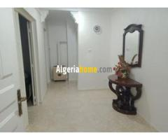 Vente Appartement + garage a Bejaia
