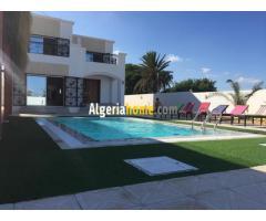 Vente Villa avec Piscine a Alger El mouradia
