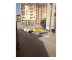 appartements clos et couverts à bab zouar en face sorical F3 F4