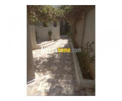 Villa à vendre 3OO m² Bouzareah Alger